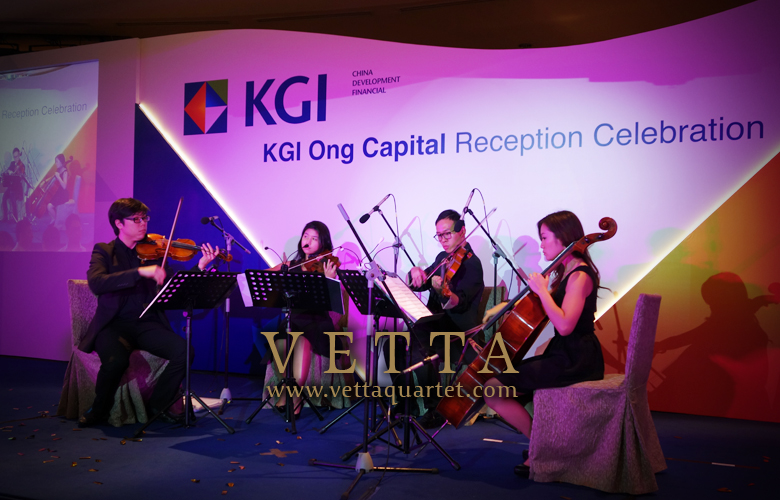 Live Performance at Fullerton Hotel